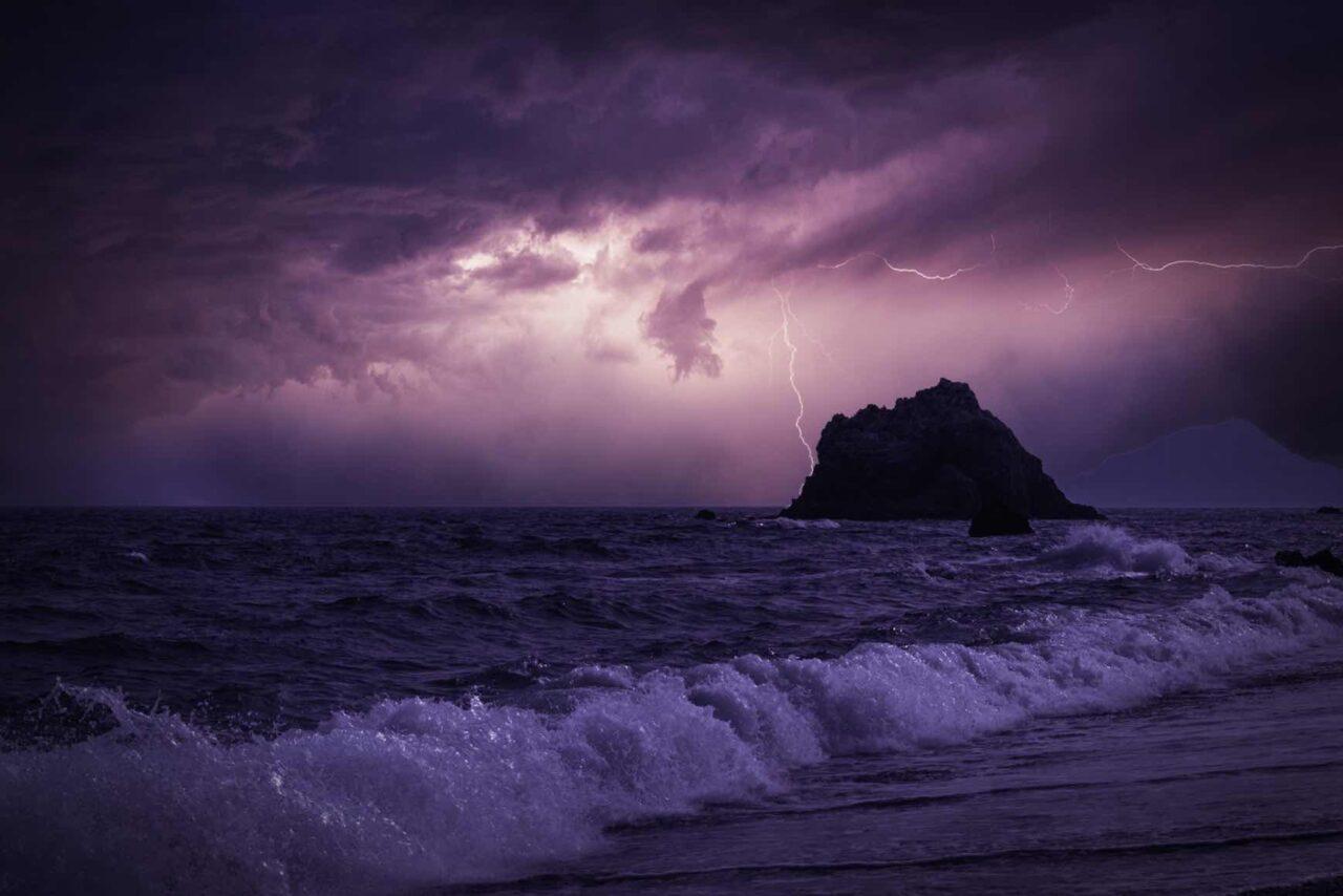 疾走感のあるかっこいいトランス「Night Wave」